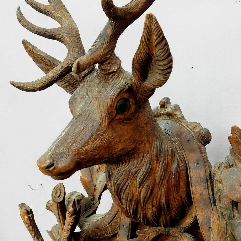 Schwarzwald geschnitzt Holz Kuckucksuhr mit großen Hirschkopf 9
