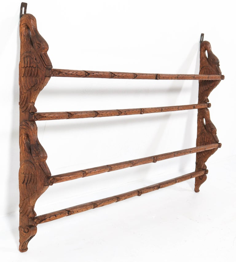 Black Forest Oak Plate Rack with Hand Carved Geese Figure, 1900s In Good Condition For Sale In Amsterdam, NL