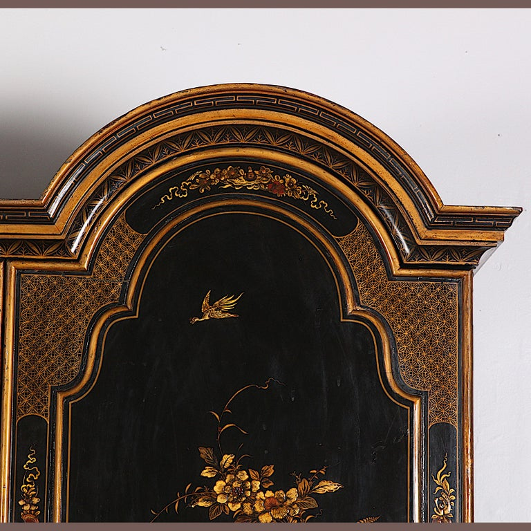 Black and Gilt Lacquered 'Japanned' Armoire from Paris For Sale 1