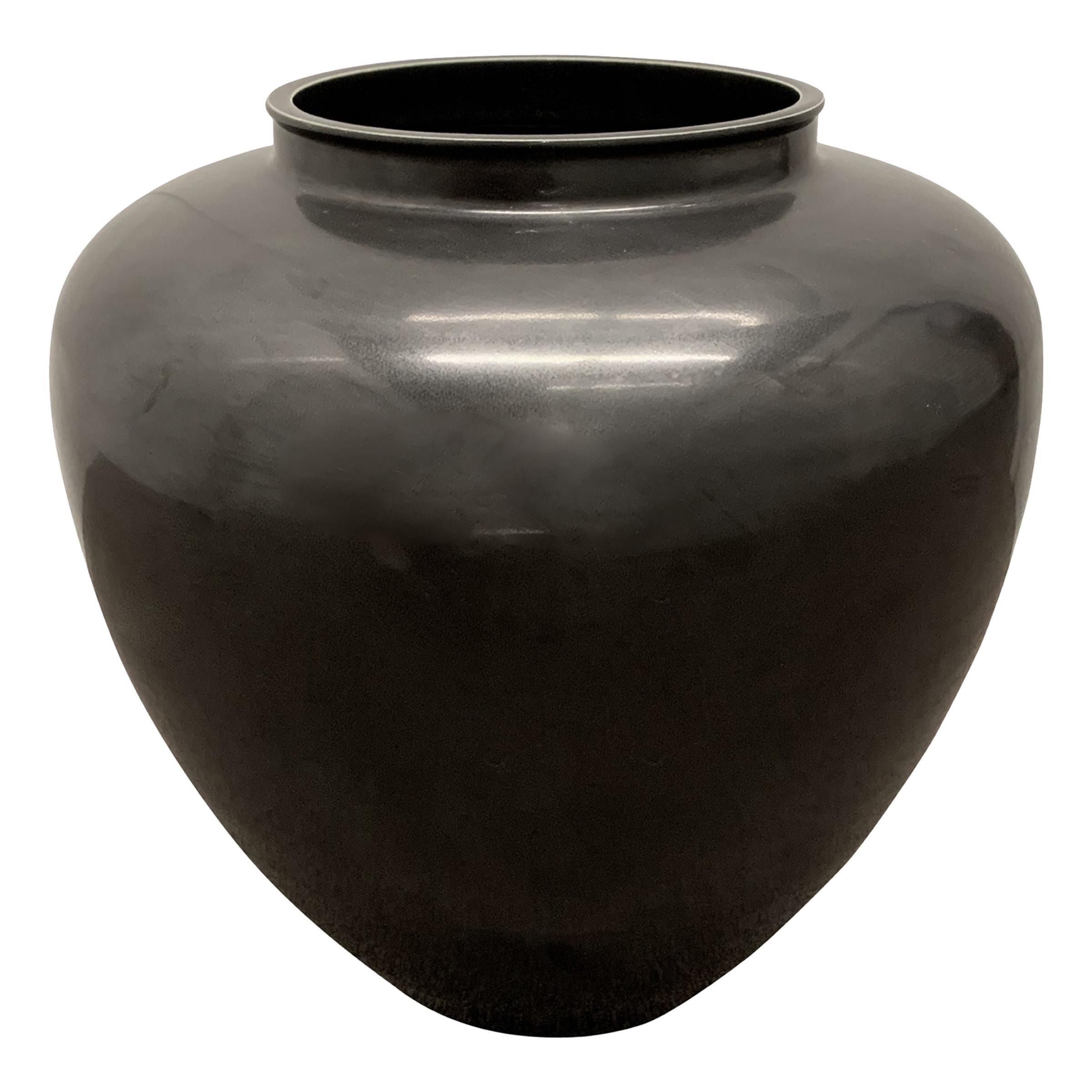 Black Glazed Chinese Pot