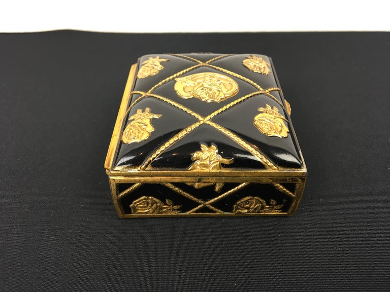 Black Gold Metal Jewelry Box or Trinket Box with Roses In Good Condition For Sale In Antwerp, BE