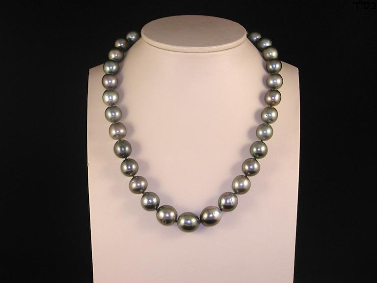 Contemporary Black Green Grey Natural Tahiti Pearl Cocktail Dress Necklace For Sale