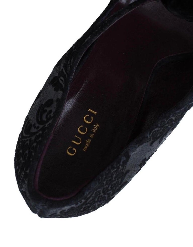 Black Gucci Suede Brocade Pineapple High Heel Sandals Pumps with Velvet Bow Tie For Sale 6