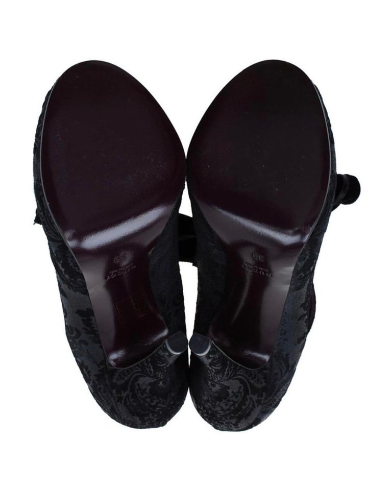 Black Gucci Suede Brocade Pineapple High Heel Sandals Pumps with Velvet Bow Tie For Sale 9