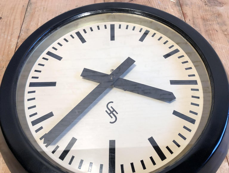 Black Industrial Factory Wall Clock from Siemens, 1950s For Sale 1
