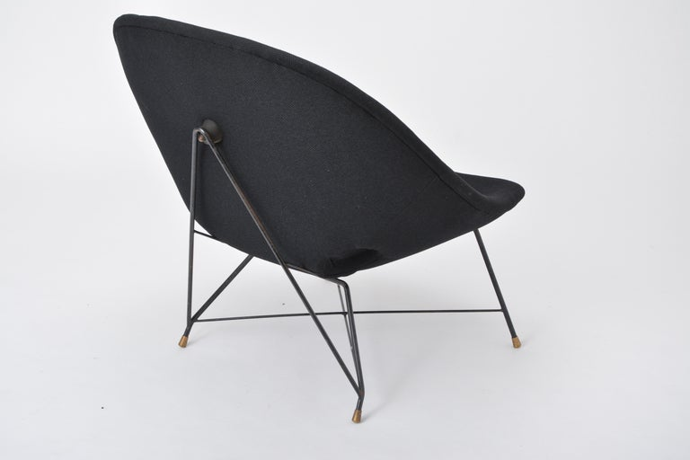 Black Italian Cosmos Lounge Chair by Augusto Bozzi for Saporiti In Good Condition For Sale In Berlin, DE