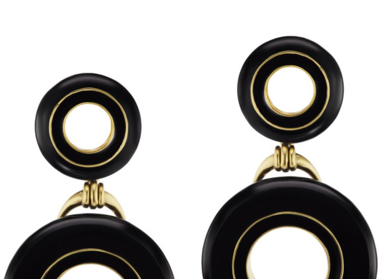 Contemporary Black Jade and Enamel Earrings in 18 Karat Yellow Gold For Sale