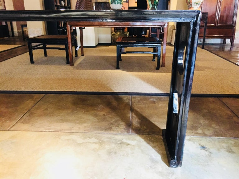 Hand-Crafted Black Lacquer Console Table, China, 19th Century For Sale