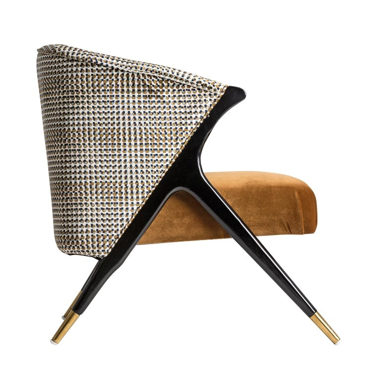 Black lacquer wooden feet with brass finish and psychedelic velvet lounge armchair Mid-Century Modern style.
