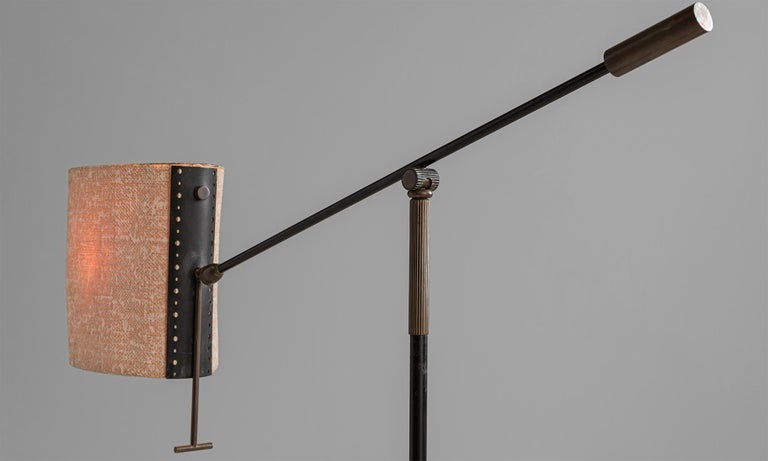 Modern Black Lacquered & Gilt Brass Floor Lamp by Maison Lunel, France, circa 1950 For Sale