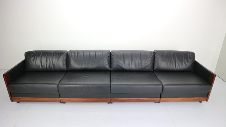 Black Leather 4-Seat Sofa by Afra & Tobia Scarpa for Cassina Model 920, 1960s In Good Condition For Sale In The Hague, NL