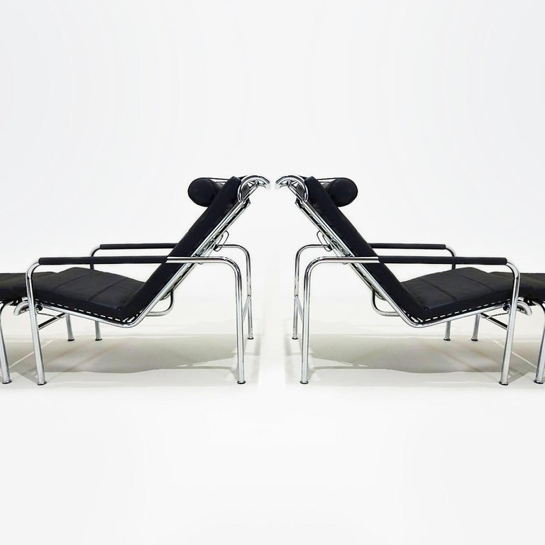 Italian Black Leather and Chrome Gabriele Mucchi Genni Reclining Chairs and Ottomans For Sale