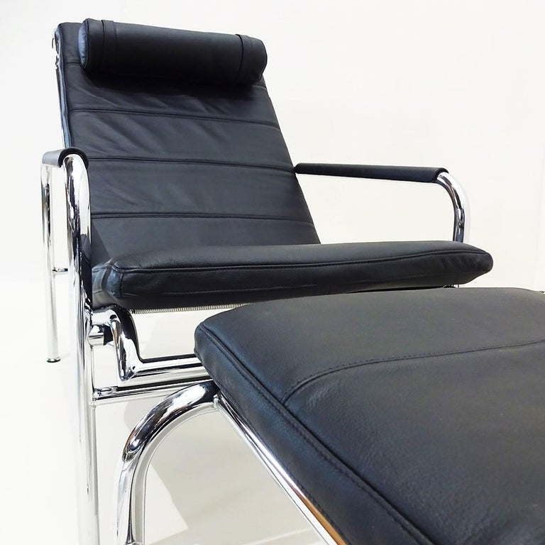 Mid-20th Century Black Leather and Chrome Gabriele Mucchi Genni Reclining Chairs and Ottomans For Sale