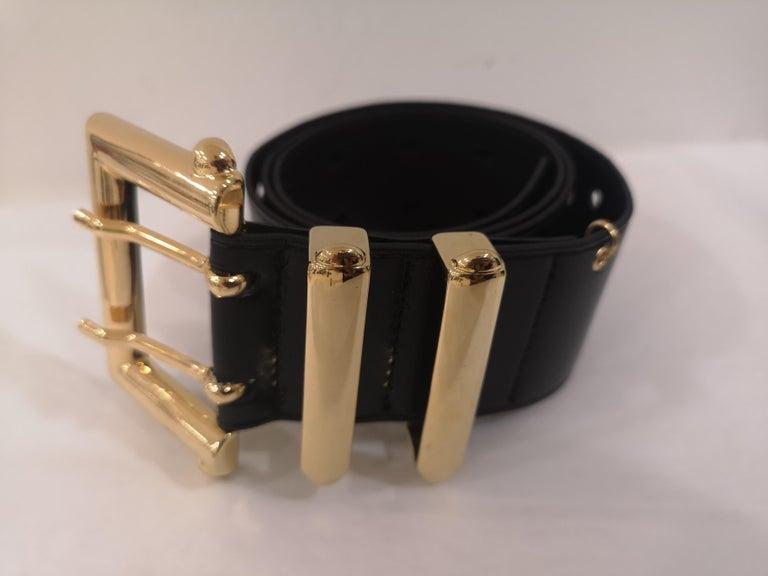 Women's or Men's Black leather and gold hardware belt NWOT For Sale