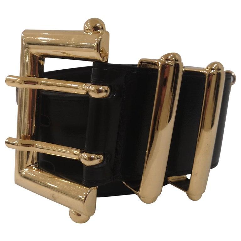 Black leather and gold hardware belt NWOT For Sale