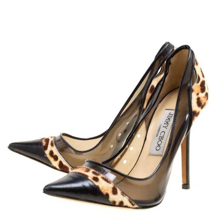 Black Leather and Leopard Print Pony Hair Binnis Pointed Toe Pumps Size 35 For Sale 1