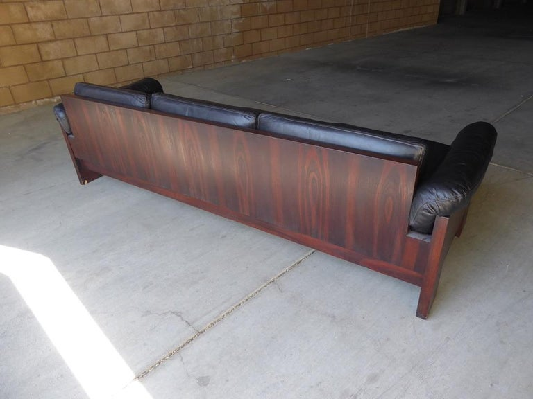 Black Leather and Rosewood Sofa by Milo Baughman for Thayer Coggin, circa 1970s For Sale 8