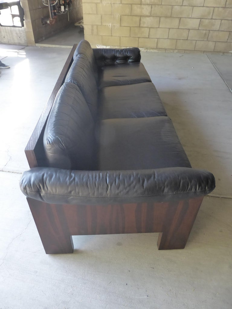 Black Leather and Rosewood Sofa by Milo Baughman for Thayer Coggin, circa 1970s For Sale 10