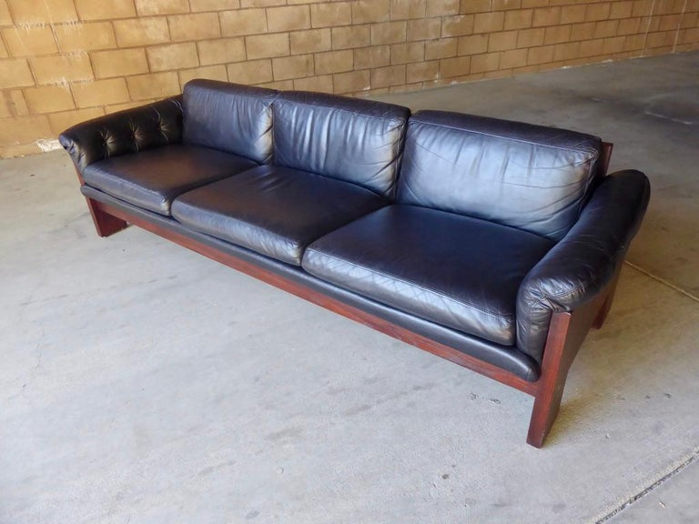 American Black Leather and Rosewood Sofa by Milo Baughman for Thayer Coggin, circa 1970s For Sale