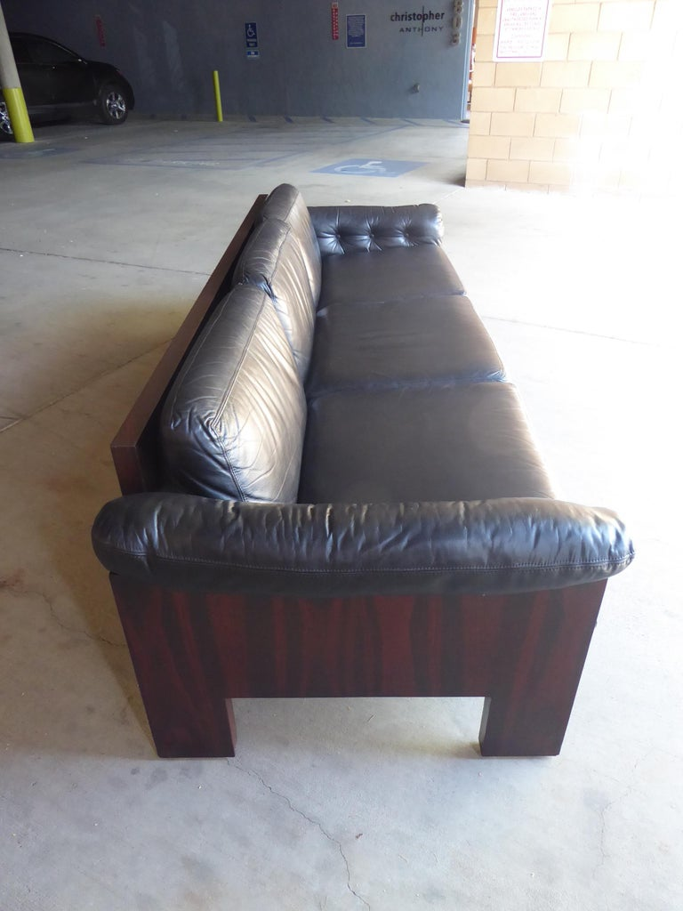 Late 20th Century Black Leather and Rosewood Sofa by Milo Baughman for Thayer Coggin, circa 1970s For Sale