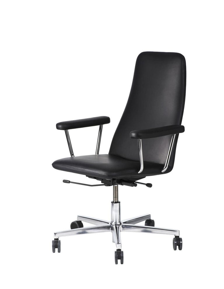 Johanson Black Leather Bella Swivel Office Armchair In Excellent Condition For Sale In New York, NY