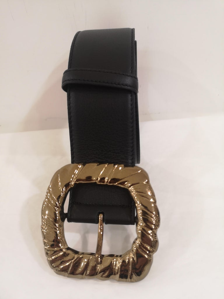 Black Leather bronze gold hardware belt NWOT In New Condition For Sale In Capri, IT