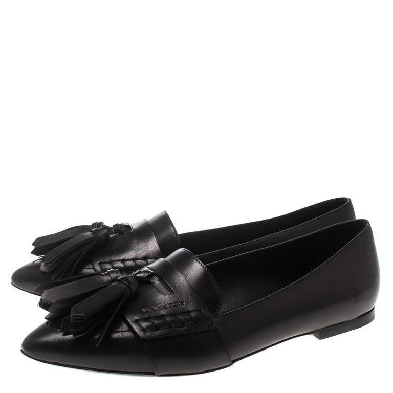 ed3f48f5d9f Women s Black Leather Coledale Tassel Detail Pointed Toe Penny Loafers Size  39 For Sale