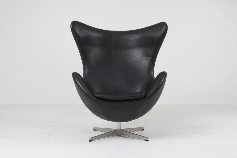 European Black Leather Egg Chair by Arne Jacobsen for Fritz Hansen