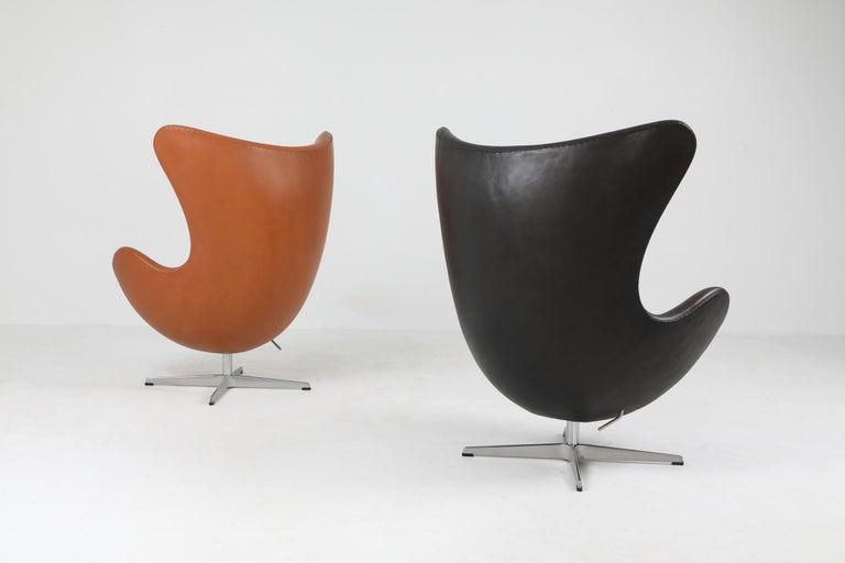 Black Leather Egg Chair by Arne Jacobsen for Fritz Hansen 2