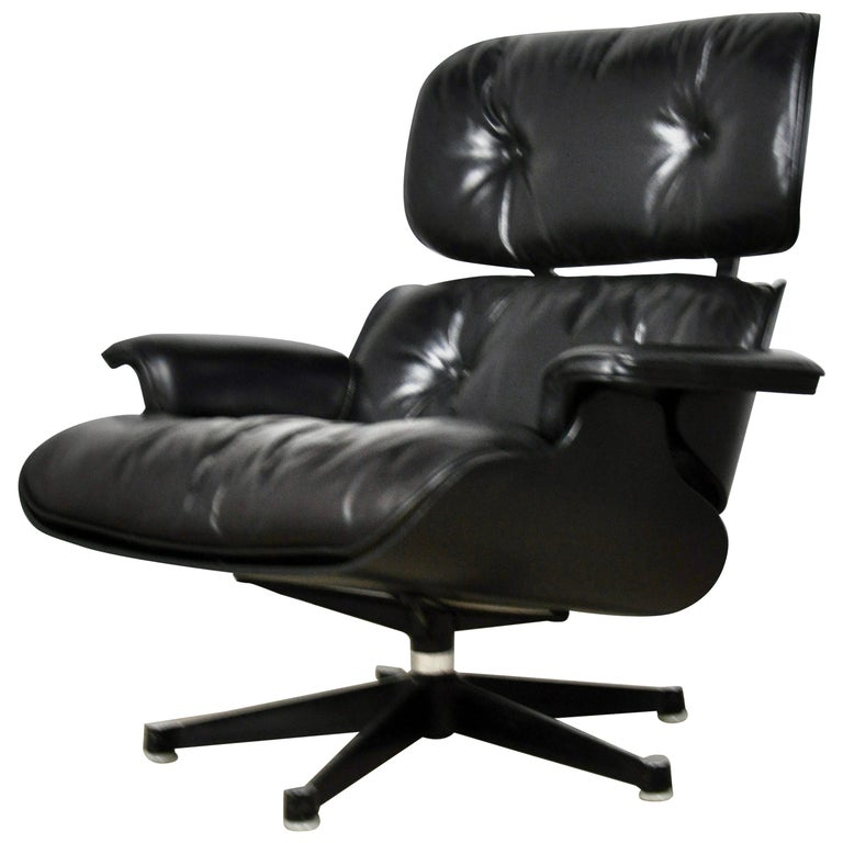 Black Leather Lounge Chair by Charles & Ray Eames, 1970s For Sale