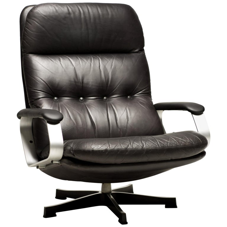 Black Leather Lounge Chair For Sale