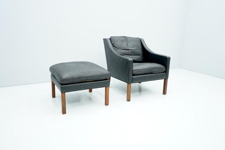 Danish Lounge Chair with Stool by Børge Mogensen in Black Leather, 1960s For Sale 3