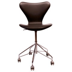 Black Leather Seven Office Chair, Model 3117, by Arne Jacobsen and Fritz Hansen