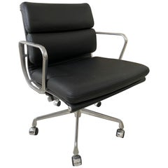 Black Leather Soft Pad Management Swivel Chair