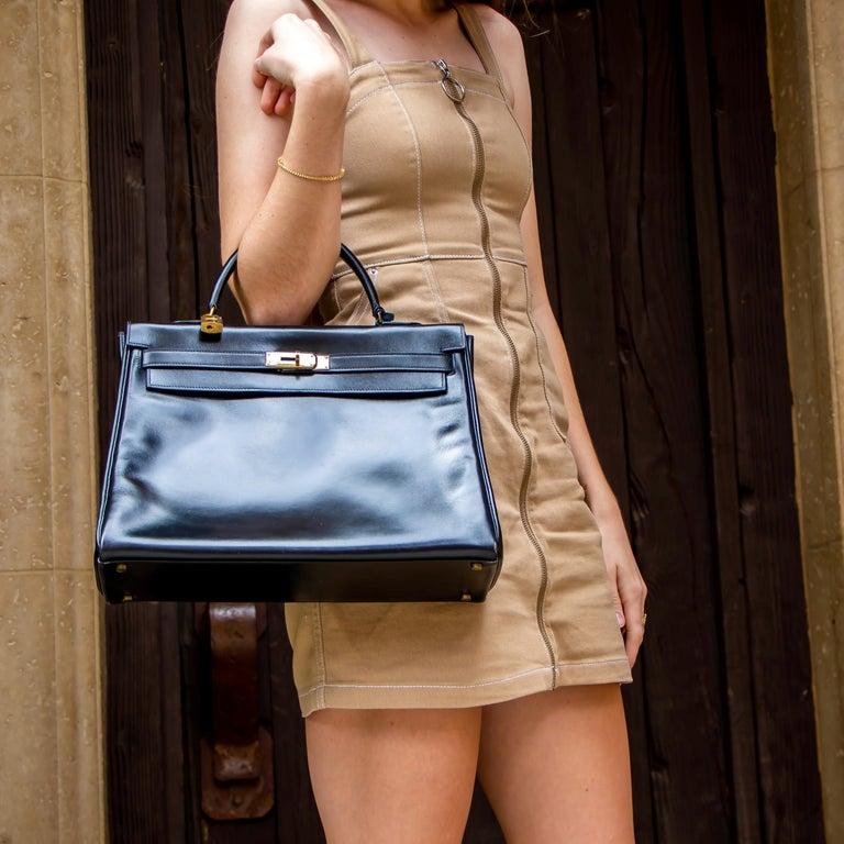 Black Leather Vintage Hermes Handbag For Sale 1