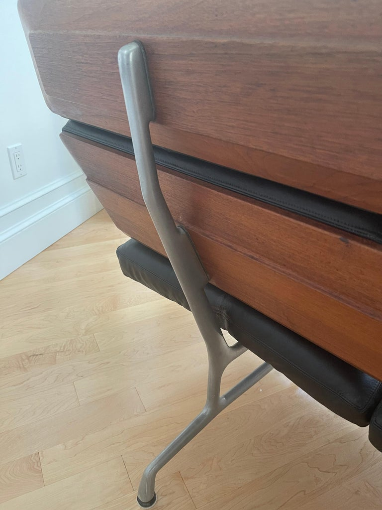 Black Leather & Walnut Three Seat Sofa by Charles & Ray Eames for Herman Miller For Sale 3