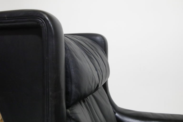 Mid-20th Century Black Leather Wingback Armchair by Gerhard Berg for Stokke Fabrikker, circa 1965 For Sale