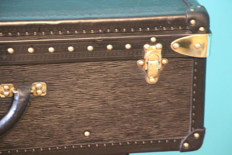 Black Louis Vuitton Alzer 70 Suitcase Louis Vuitton Suitcase Louis Vuitton Trunk In Good Condition For Sale In Saint-Ouen, FR