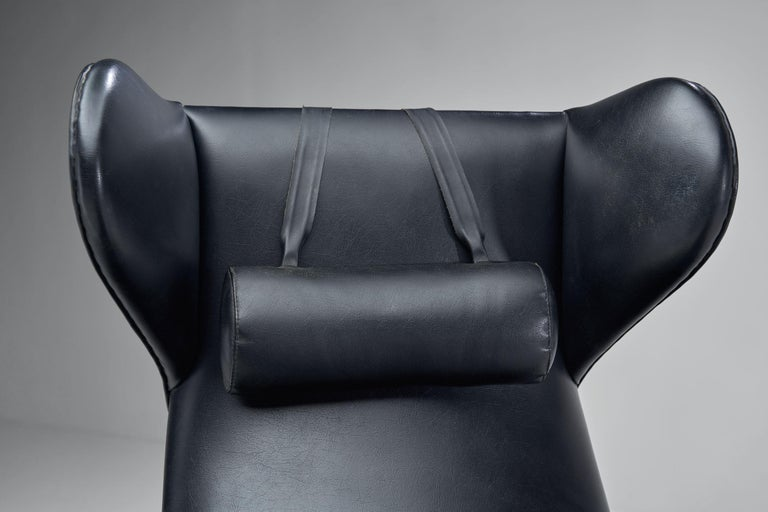 Black Lounge Chair with Beech Frame by H.W. Klein, Denmark, 1960s For Sale 6