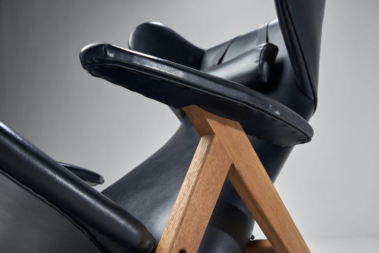 Black Lounge Chair with Beech Frame by H.W. Klein, Denmark, 1960s For Sale 8