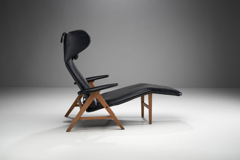 Scandinavian Modern Black Lounge Chair with Beech Frame by H.W. Klein, Denmark, 1960s For Sale