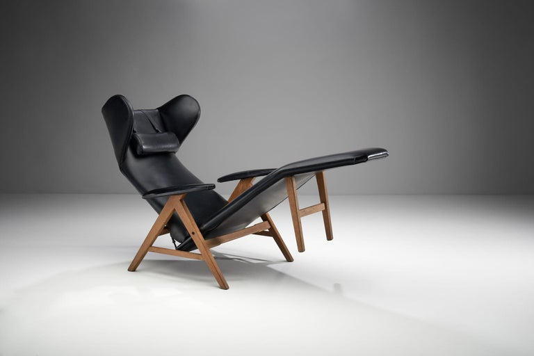 Black Lounge Chair with Beech Frame by H.W. Klein, Denmark, 1960s For Sale 2