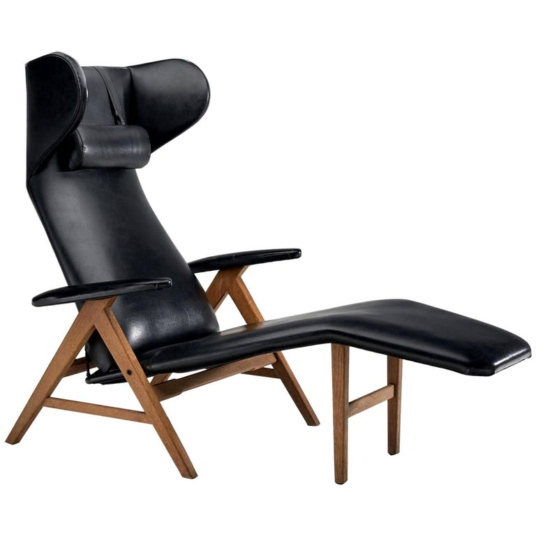 Black Lounge Chair with Beech Frame by H.W. Klein, Denmark, 1960s For Sale