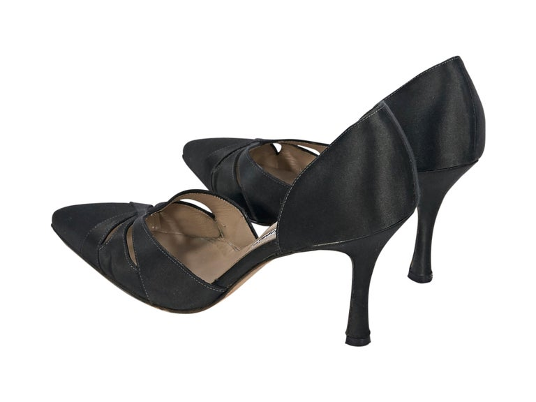 Black Manolo Blahnik Satin Cut-Out Pumps In Good Condition For Sale In New York, NY