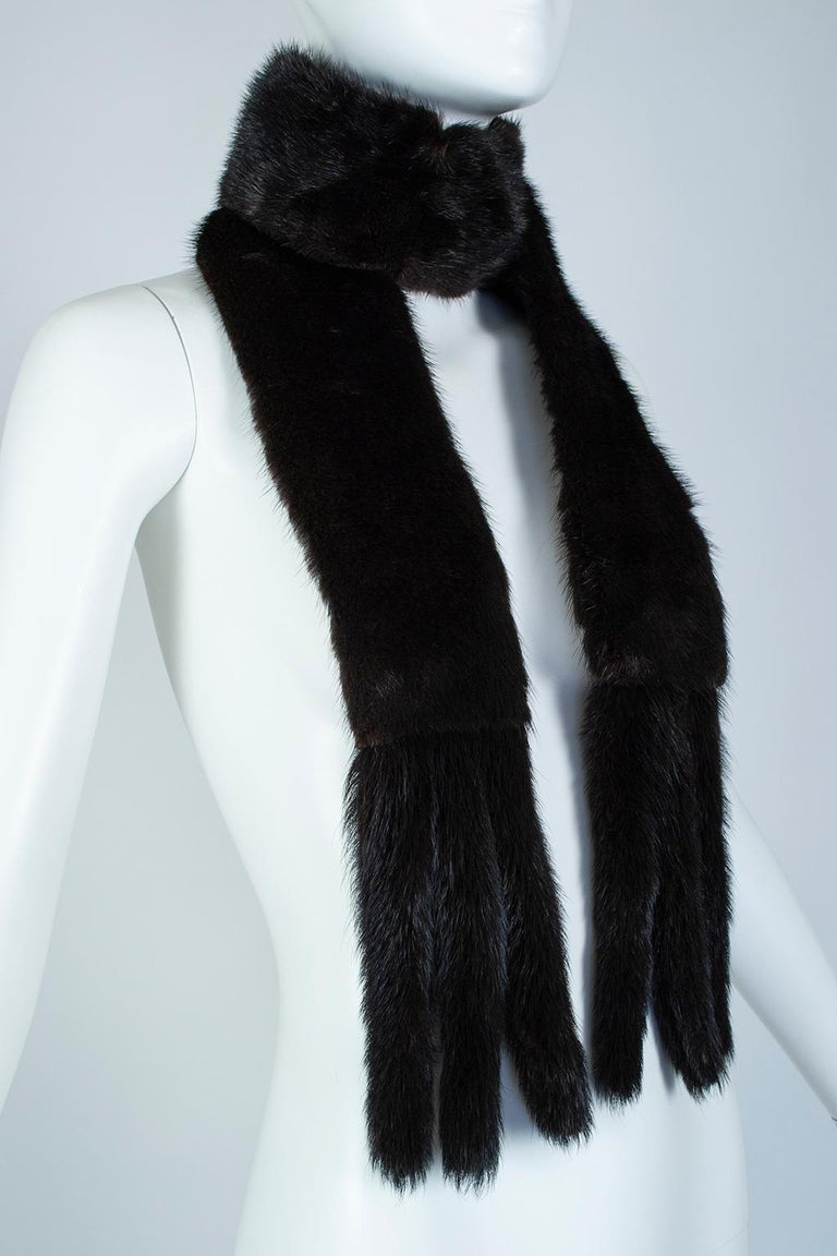Black Mink Skinny Scarf or Belt with Tails – One Size, 1950s In Excellent Condition For Sale In Phoenix, AZ