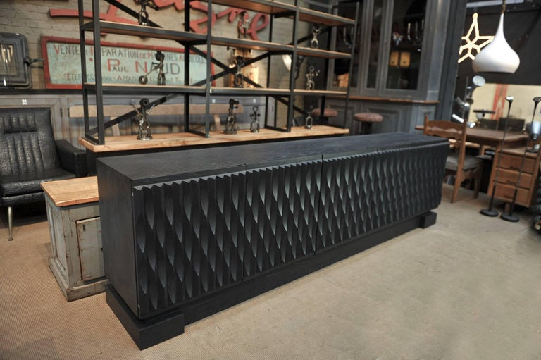 Black Oak Brutalist Credenza Buffet, 1970 In Excellent Condition For Sale In Roubaix, FR