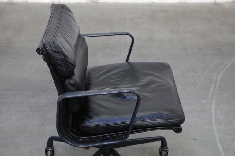 Black on Black Eames Soft Pad Management Chair by Eames for Herman Miller, 1992 6