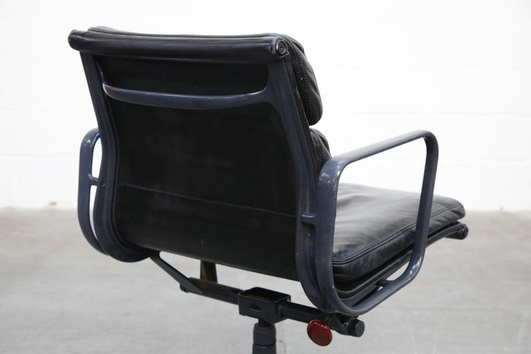 Black on Black Eames Soft Pad Management Chair by Eames for Herman Miller, 1992 9