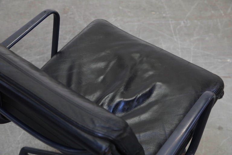 Black on Black Eames Soft Pad Management Chair by Eames for Herman Miller, 1992 10