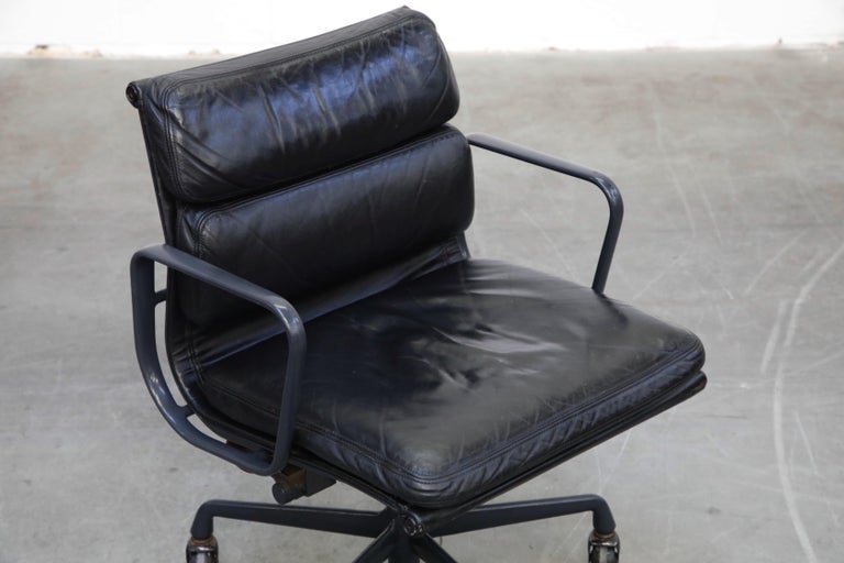 Black on Black Eames Soft Pad Management Chair by Eames for Herman Miller, 1992 1